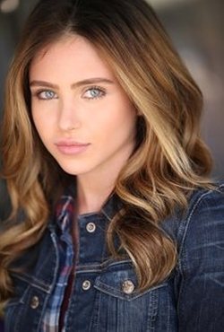 Ryan Newman Style and Fashion