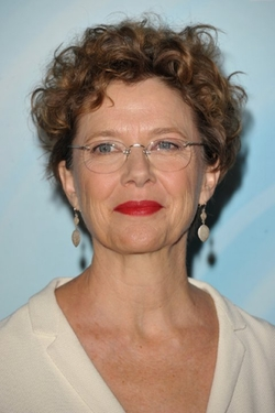 Annette Bening Style and Fashion
