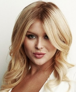 Renee Olstead Style and Fashion