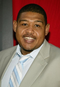 Omar Benson Miller Style and Fashion