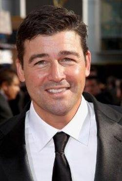Kyle Chandler Style and Fashion