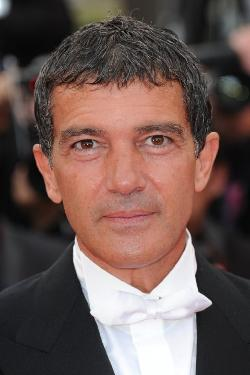 Antonio Banderas Style and Fashion