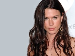 Rhona Mitra Style and Fashion