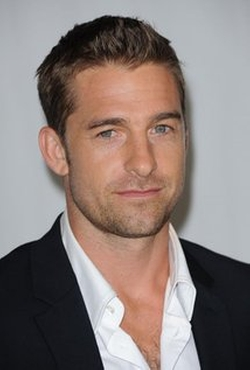 Scott Speedman Style and Fashion