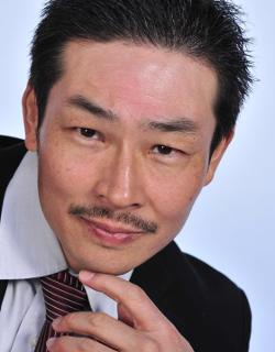 Yutaka Izumihara Style and Fashion