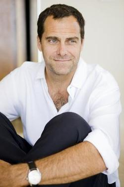 Andy Buckley Style and Fashion