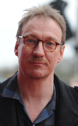 David Thewlis Style and Fashion