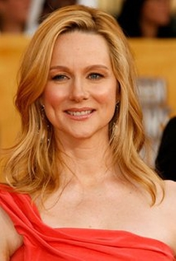 Laura Linney Style and Fashion