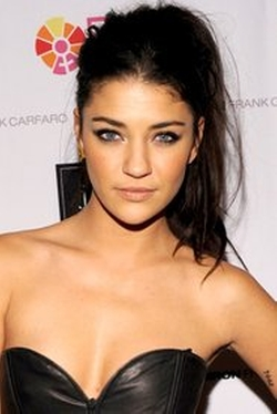 Jessica Szohr Style and Fashion