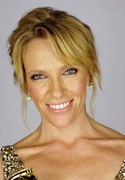 Toni Collette Style and Fashion