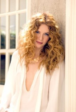 Rachelle Lefevre Style and Fashion