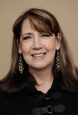 Ann Dowd Style and Fashion