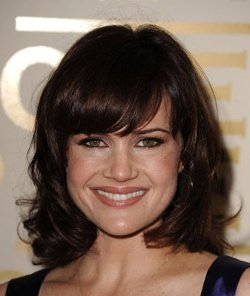 Carla Gugino Style and Fashion