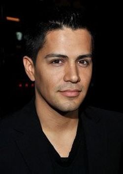 Jay Hernandez Style and Fashion