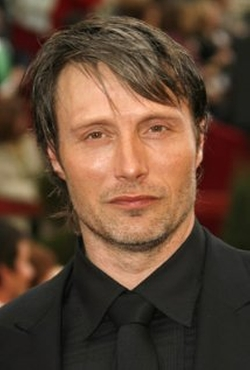 Mads Mikkelsen Style and Fashion
