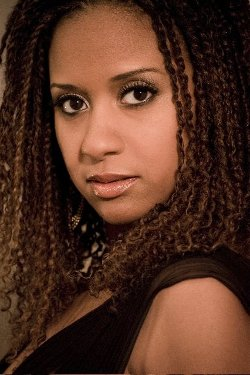 Tracie Thoms Style and Fashion