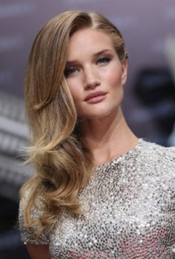 Rosie Huntington-Whiteley Style and Fashion