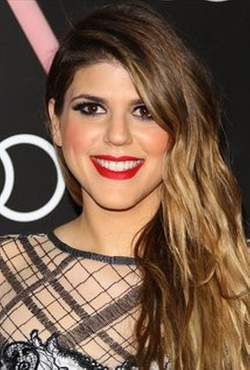 Molly Tarlov Style and Fashion