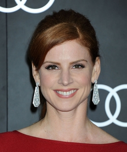 Sarah Rafferty Style and Fashion