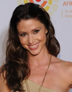 Shannon Elizabeth Style and Fashion