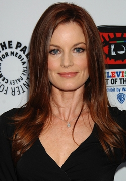 Laura Leighton Style and Fashion