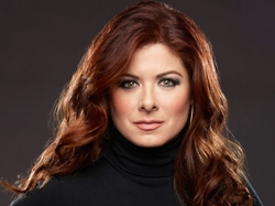 Debra Messing Style and Fashion