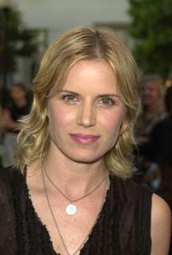 Kim Dickens Style and Fashion