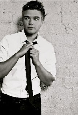 Brett Davern Style and Fashion