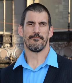 Robert Maillet Style and Fashion