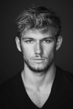 Alex Pettyfer Style and Fashion