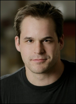 Kyle Bornheimer Style and Fashion