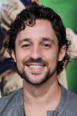 Thomas Ian Nicholas Style and Fashion