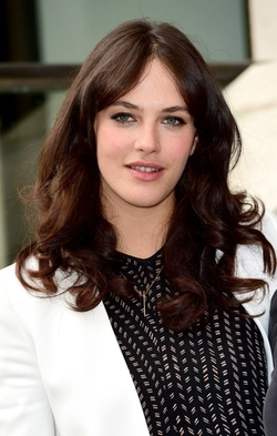 Jessica Brown Findlay Style and Fashion