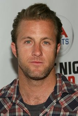 Scott Caan Style and Fashion