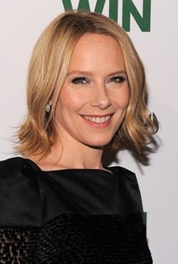 Amy Ryan Style and Fashion