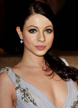 Michelle Trachtenberg Style and Fashion