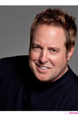 Gary Valentine Style and Fashion