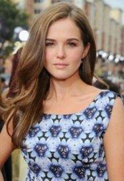 Zoey Deutch Style and Fashion