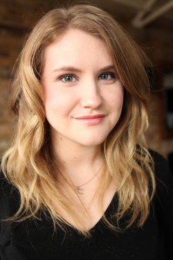 Jillian Bell Style and Fashion