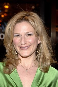 Ana Gasteyer Style and Fashion