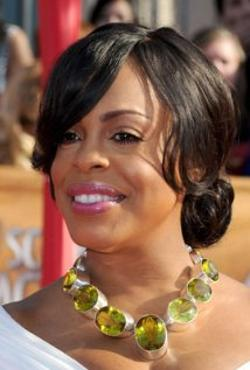 Niecy Nash Style and Fashion