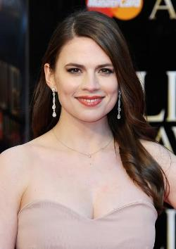 Hayley Atwell Style and Fashion