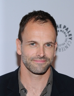 Jonny Lee Miller Style and Fashion