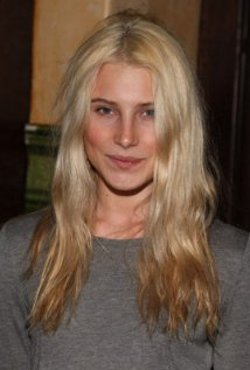 Dree Hemingway Style and Fashion