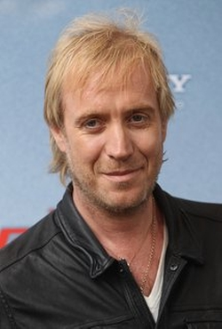 Rhys Ifans Style and Fashion