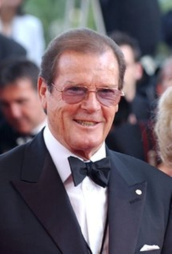 Roger Moore Style and Fashion