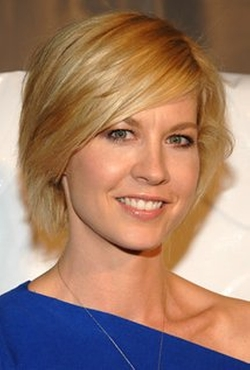 Jenna Elfman Style and Fashion