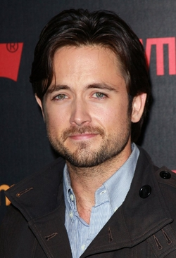 Justin Chatwin Style and Fashion