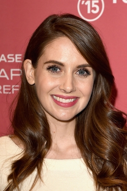 Alison Brie Style and Fashion