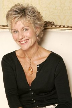 Diana Hardcastle Style and Fashion